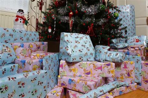 people across the uk plan to spend 163 499 on christmas