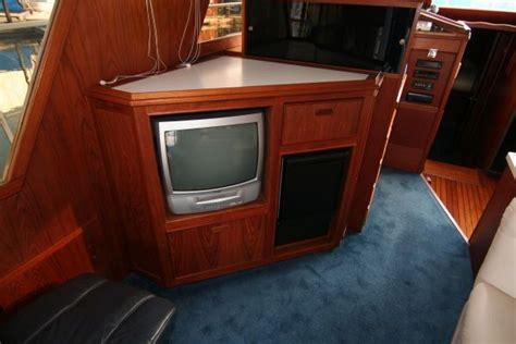 canoe cove boat house for sale 1983 canoe cove sedan boats yachts for sale