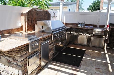 outdoor kitchen maker outdoor kitchen made with cambridge cultured walls