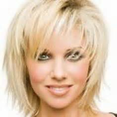 how to get lisa rinnas hairstyle ehow lisa rinna hairstyles lisa rinnas short shag hairstyle