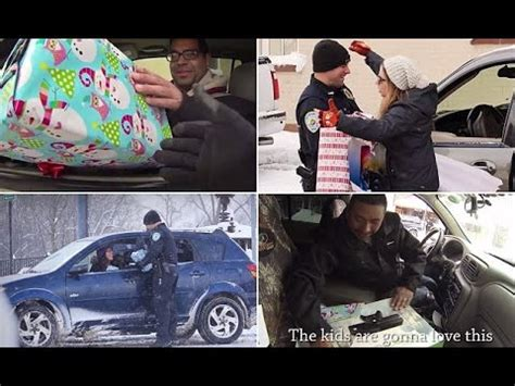 christmas present for cops traffic cop turns santa claus officer surprises drivers with gifts