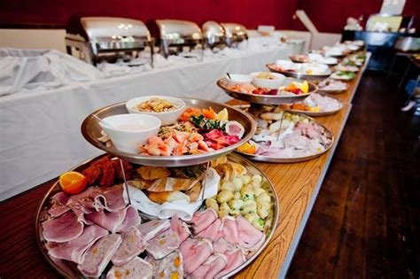 Not Serving Dinner At Wedding Reception Is It Fine Buffet Style Wedding