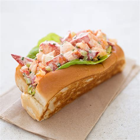 recipe lobster roll new england lobster rolls america s test kitchen