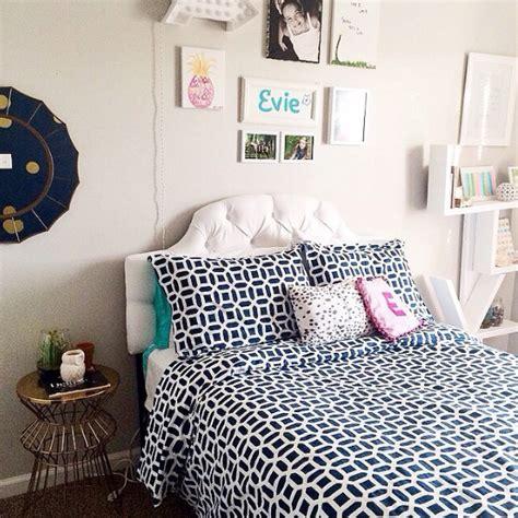 hton swirly paisley bedroom pbteen pretty pink boudior pinte favorite reader rooms pottery barn