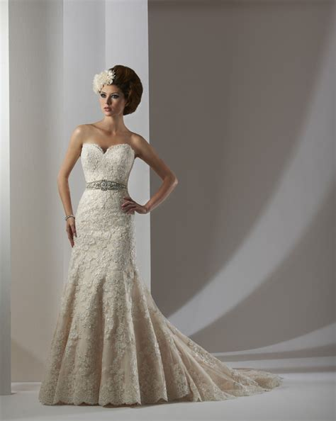bonny bridal essence collection 8302 size 8 wedding dress