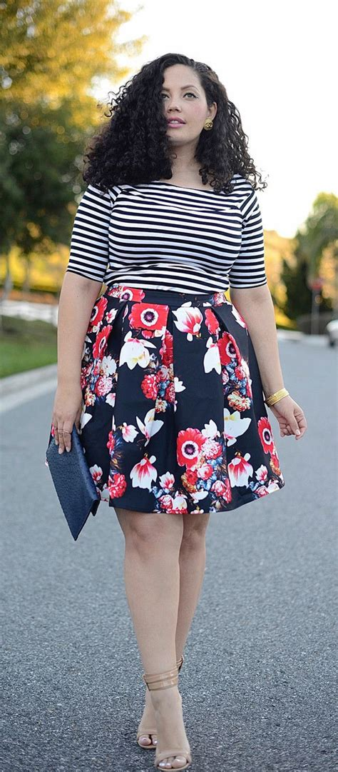 wardrobe essentials for short plump woman elegant scoop neck striped t shirt and floral printed