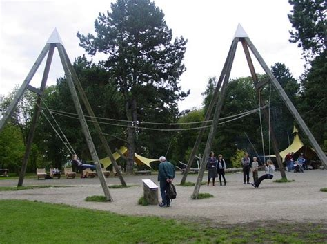 Richter Spielgerate Partner Swing Pyramid Timberplay