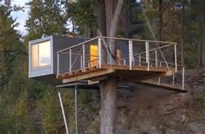 modern tree house modern tree living creative treehouse designs design