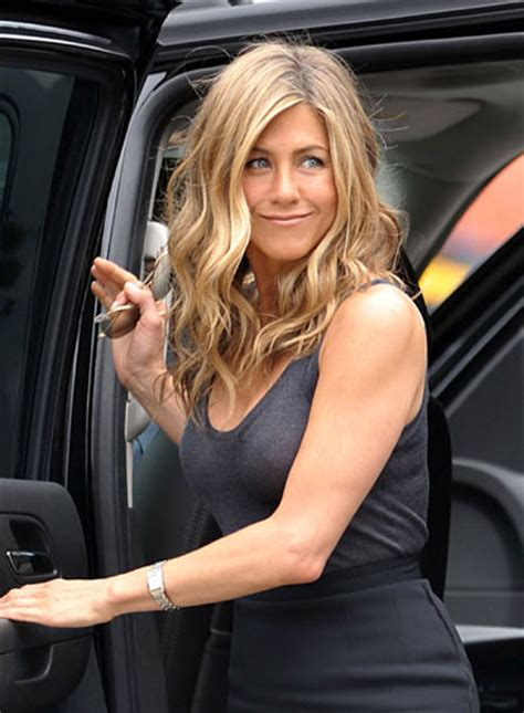 jennifer aniston recent news jennifer aniston on set of quot the bounty quot in ny