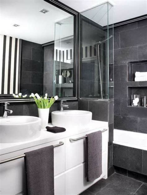 badezimmer ideen schwarz weiß 52 fotos badezimmer in schwarz und wei 223