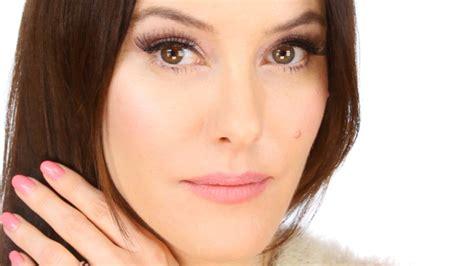 eyeliner tutorial lisa eldridge kylie minogue cover look makeup tutorial youtube