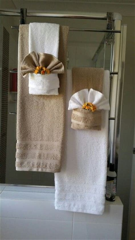 bathroom towel folding ideas 25 best ideas about bathroom towel display on