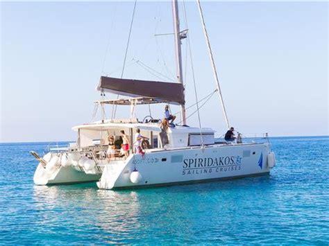 catamaran cruise with sunset santorini nightlife in santorini best clubs and bars