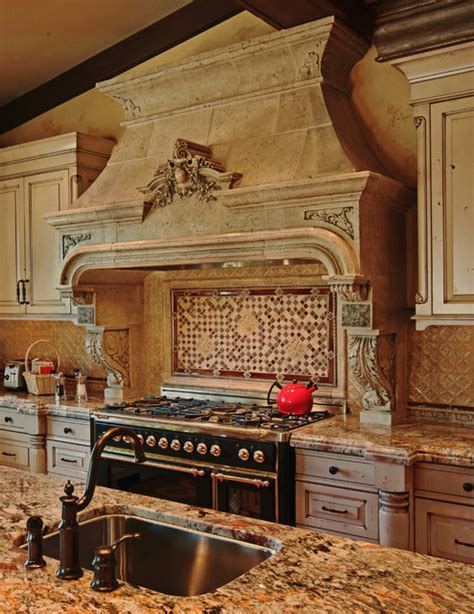 Argenteuil Kitchen Hood   Traditional   Kitchen   toronto