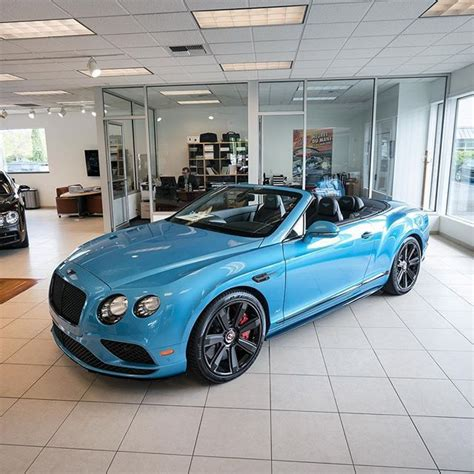 bentley blue color blue color on this bentley continental gt convertible