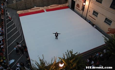 largest bed size largest bed size in the world