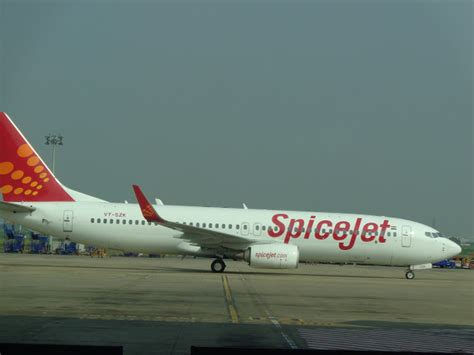 spicejet launches hong kongs   cost flight