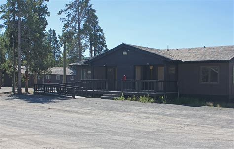 faithful snow lodge western cabin faithful snow lodge and cabins yellowstone reservations