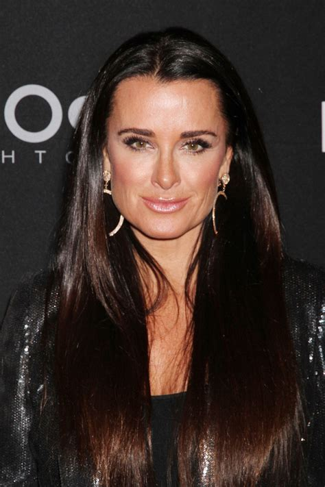 kyle richards needs to cut her hair kyle richards pink lipstick makeup lookbook stylebistro