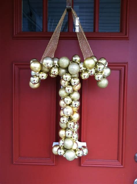cant take your eyes off the awesome jingle bell decor