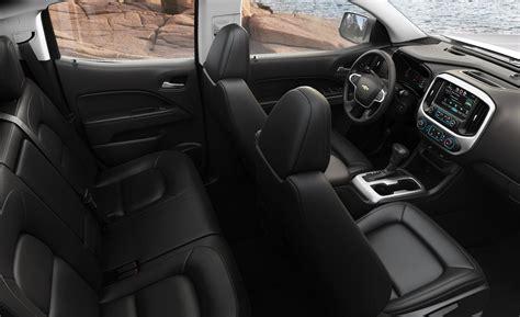 2015 Chevy Colorado Interior car and driver