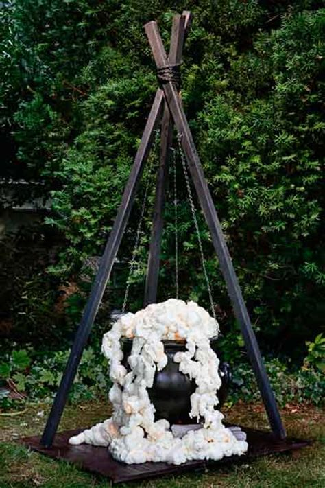 three witches decor 15 easy decorating how tos yard
