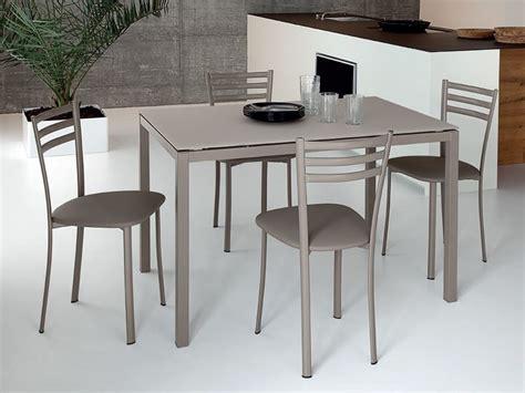 sedie color tortora tavolo domitalia in metallo piano vetro o