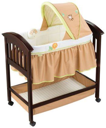 classic comfort wood bassinet summer infant classic comfort wood bassinet swingin