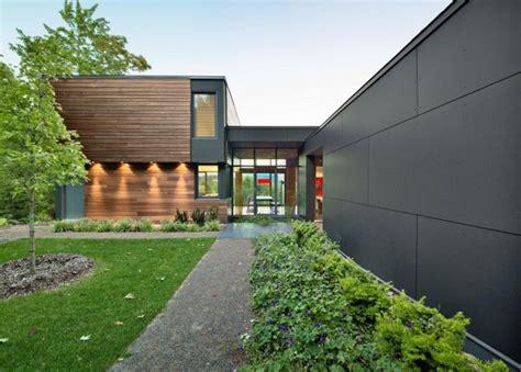 louisiana style garden home plan 14158kb architectural vorgarten mit schwarzer gartenmauer freshouse