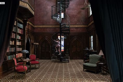 luke wilson hill house the haunting of hill house manages to both scare and