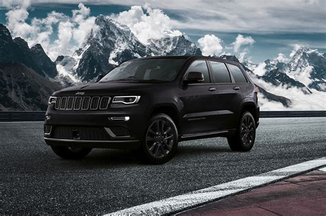 jeep grand cherokee all black europe gets a fancy 2018 jeep grand cherokee s motor