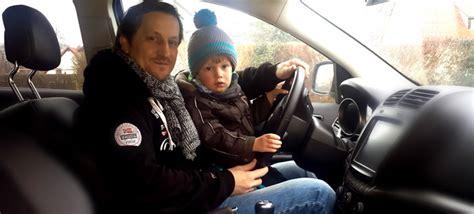 wann dürfen kinder im auto vorne sitzen ab wann d 252 rfen kinder im auto vorn sitzen netpapa de