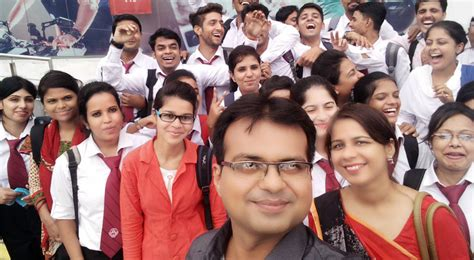 Mba In Srms Bareilly by Top Engineering Colleges In Bareilly Shri Ram Murti
