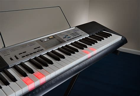 best lighted keyboard piano casio lighted learn to play keyboard sharper image