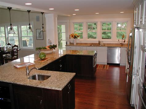 U Shaped Kitchen Island | photos hgtv