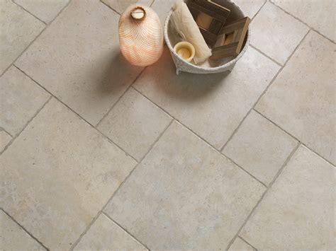pavimenti effetto pietra per interni pavimenti in gres porcellanato effetto pietra pavimenti