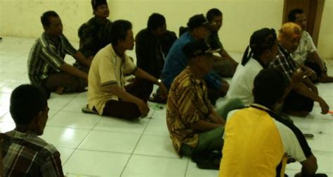 Kursi Tamu Undangan parah tamu undangan duduk di lantai camat dan pejabat