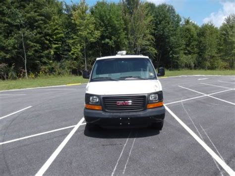 purchase used 2003 gmc savana 3500 cargo van with cab protector bin package in cortland ohio purchase used 2003 gmc savana 3500 cargo van with cab protector bin package in cortland ohio
