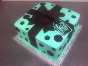 kuchen verschenken teal gift box cake made custom cakes