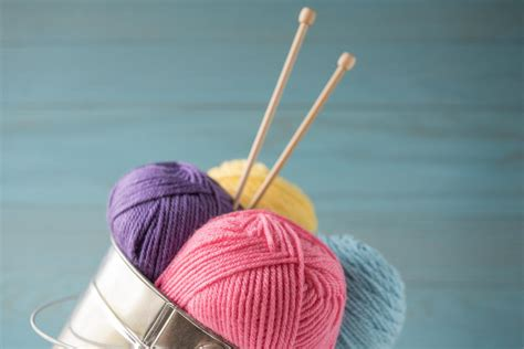 best knitting needles for beginners what are the best knitting needles for beginners