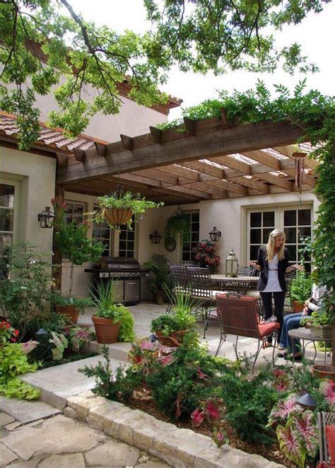 giardino rustico progettare un giardino rustico pieno di colori e calore