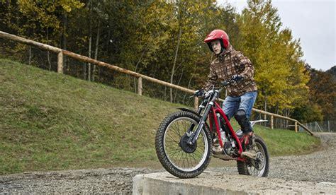 Motorrad Fahren Spielberg by Trial Bike Fahren Am Offroad Bike Track In Spielberg