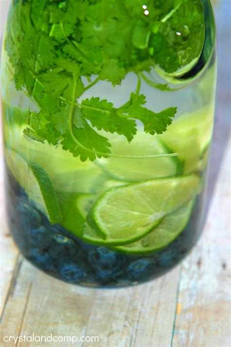 How To Make Cilantro Detox Drink by Fruit Infused Water Blueberry Lime Cilantro