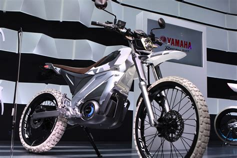 Beleuchtung Yamaha E Bike by Yamaha Electric Bikes At The 2015 Tokyo Motor Show
