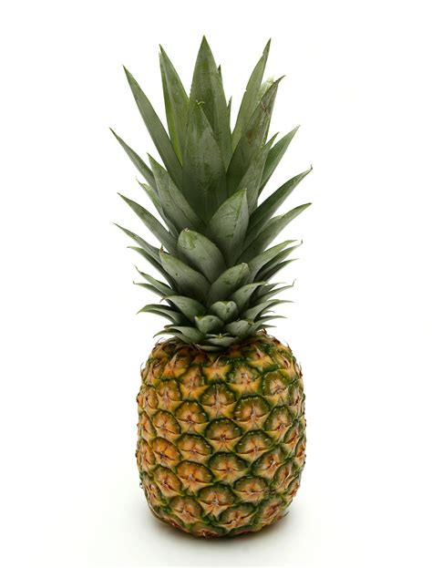 Pineapple Fruit six common fruits for weight loss and weight management