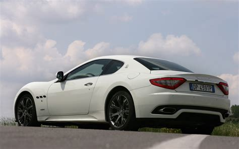 gran turismo maserati rear 2008 maserati granturismo s rear three quarters view photo 4