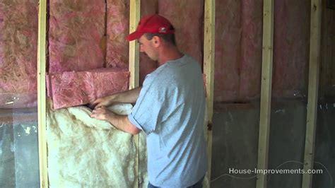 Fibreglass Insulation In Basements Is How To Install Fiberglass Batt Insulation Vapor Barrier