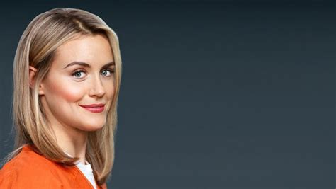 taylor schilling talks orange is the new black graphic orange is the new black season 3 netflix win lunch with