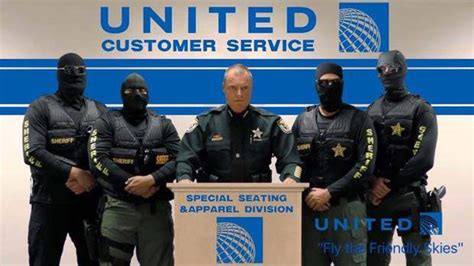 united airlines help desk united airlines forcibly removes passenger from flight