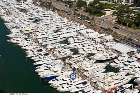 hinckley yachts miami boat show 2011 miami boat show strictly sail